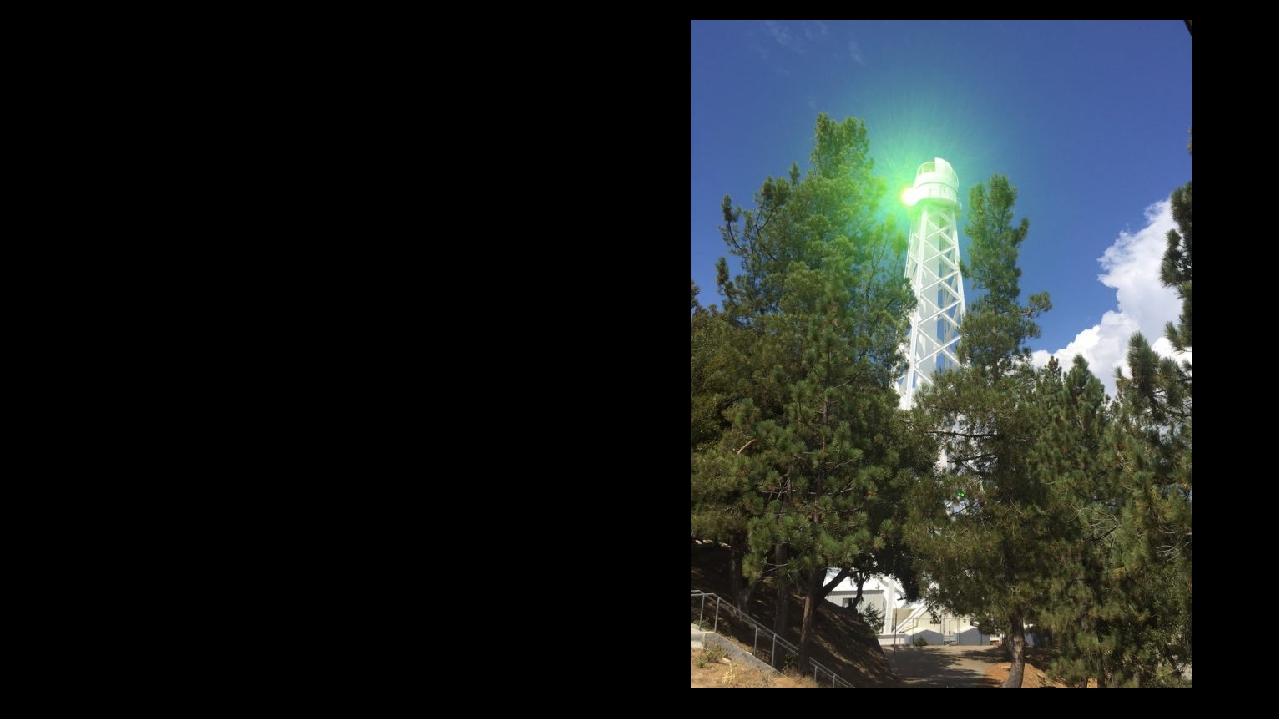 Що це за дивне світло на вершині гори Вілсон? Називається Sunstar, це масив із шести призм, які приймають надходить сонячне світло і заломлюють йог...