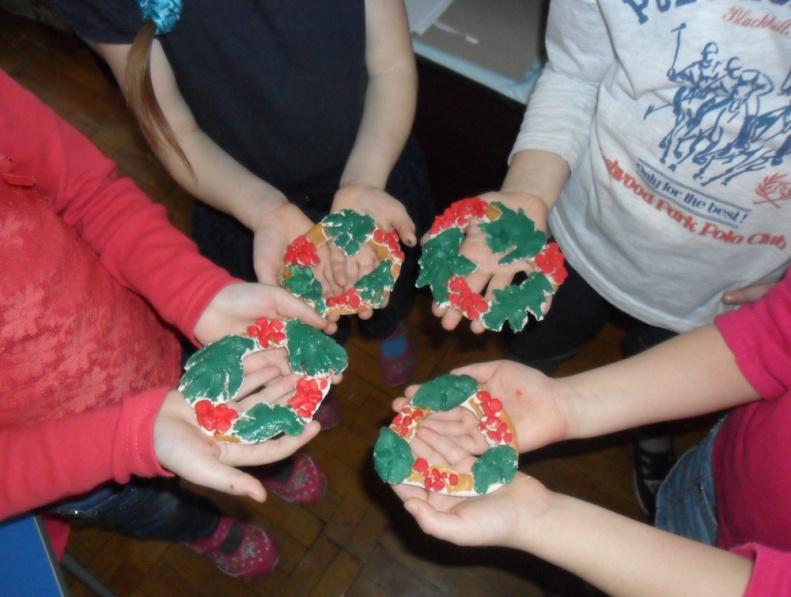Конспект заняття з ліплення із солоного тіста для дітей середньої групи «Віночок  калини» | Конспект. Дошкілля